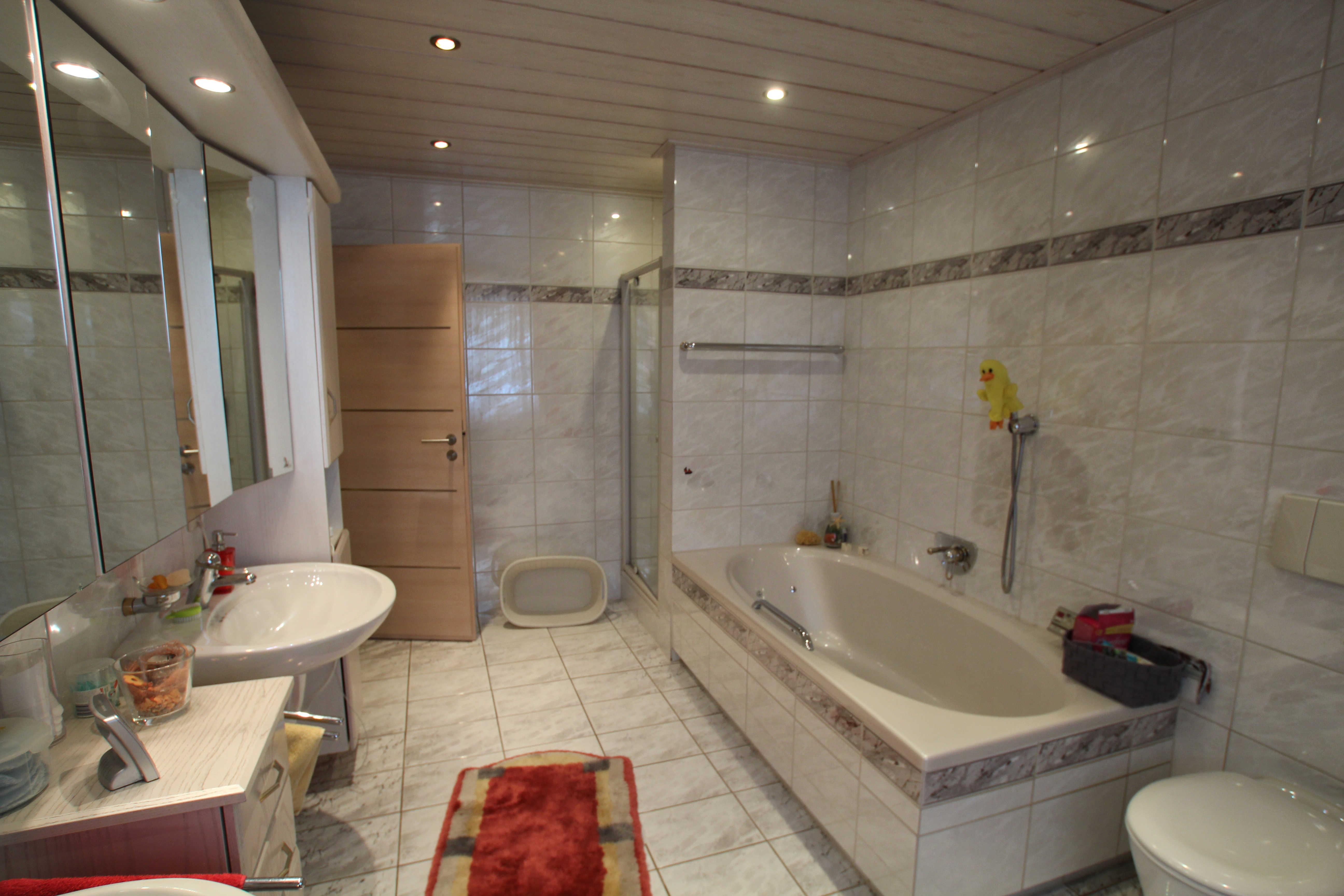 Vorher nachher badezimmer team held creativ for Raumgestaltung die verwandlung